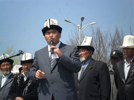 Ташиев на митинге в Джалал-Абаде в марте