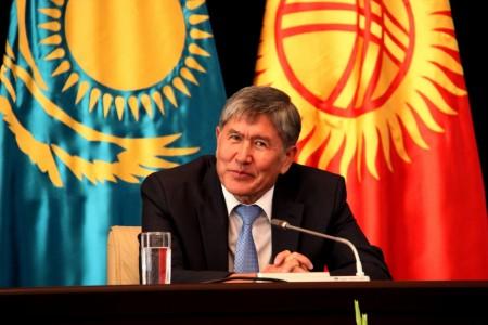 Алмазбек Атамбаев встречался с президентом Казахстана Нурсултаном Назарбаевым в день, когда распалась правящая коалиция