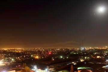 Восточный Бишкек и трубы ТЭЦ. Автор: Бектур Искендер.
