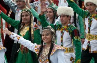 Бюджетники обязаны участвовать в массовых празднованиях в Туркменистане