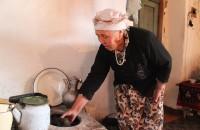 С мужем она прожила 57 лет и родила от него 9 детей, большая часть из которых переехала в Кыргызстан и сейчас проживает там.