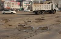 Состояние улицы Токомбаева не первый год вызывает недовольство бишкекчан.