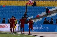 Перемены в основном составе принесли свои успехи — в самом начале матча Шарипов прорвался по правому флангу, сделал навес в штрафную, и гол снова забил Дэвид Тетте.