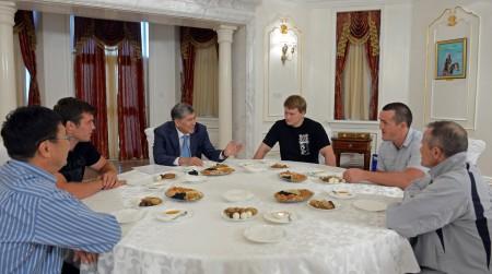 Завтрак с Атамбаевым