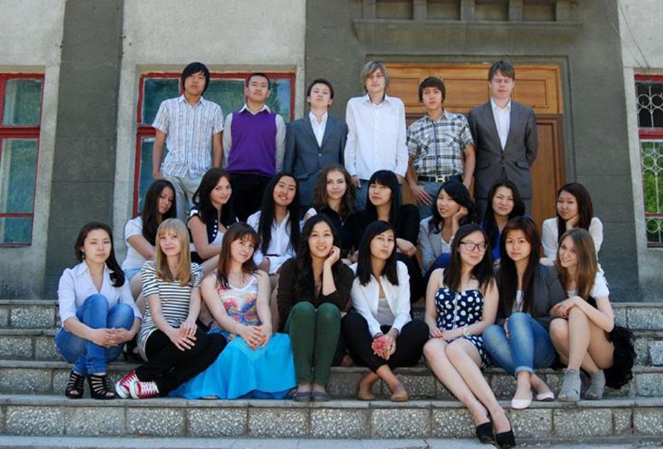 2012 год, 11 класс, школа №13, Бишкек.