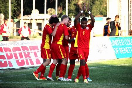 2013-10_kyrgyzstan-team_0263