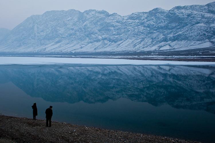 В нижнем течении от главного водозабора на территории Кыргызстана находится Торткульское водохранилище.