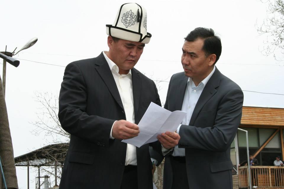 Организаторы митинга - Азимбек Бекназаров и Равшан Жээнбеков. Автор фото: Шохрух Саипов.