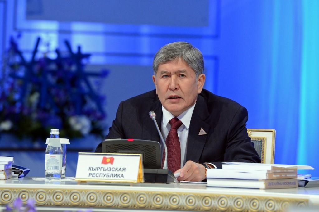 Президент Кыргызстана Алмазбек Атамбаев заявляет о скором вступлении в ТС.