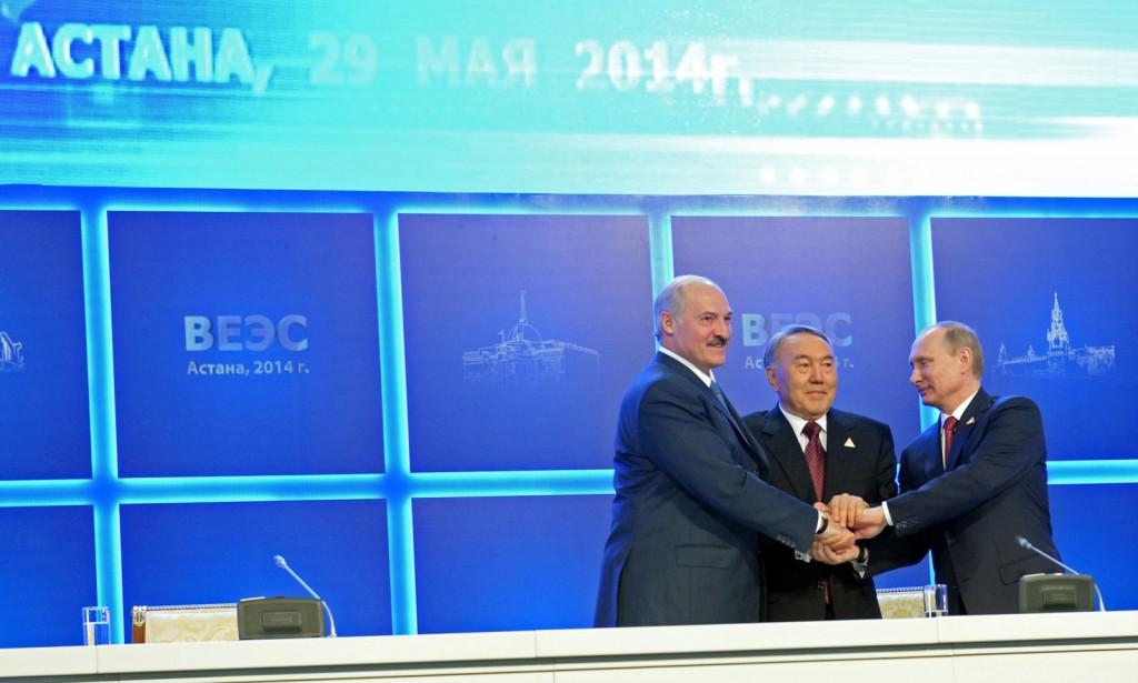 Александр Лукашенко, Нурсултан Назарбаев и Владимир Путин - президенты стран Таможенного союза.