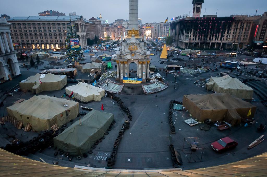 """""""Евромайдан"""" стал началом затяжного украинского кризиса, а также ухудшения отношений между Россией и Западом."""