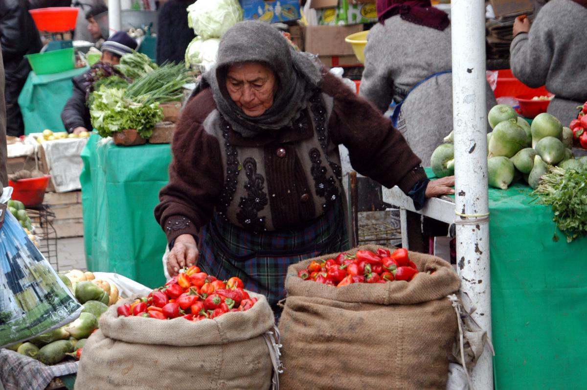 Зеленый базар в Душанбе, 2008 год. Фото: Em and Erniem Flickr.