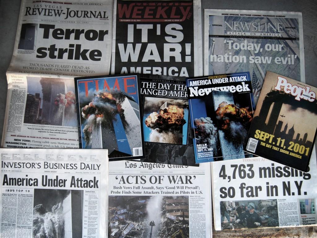 Заголовки американских газеты после теракта 11 сентября.