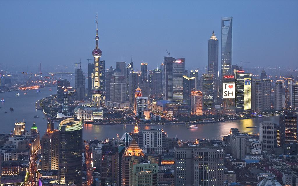 """Порт Шанхая. Рост экономики в Юго-Восточной Азии и Азиатско-Тихоокеанском регионе вызвал значительный рост спроса на """"черное топливо"""""""