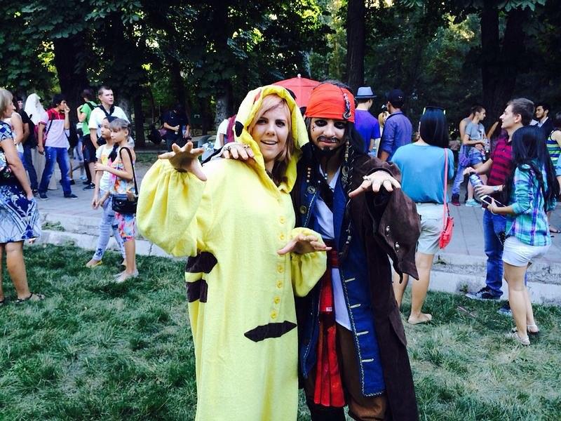"""Самый известный «покемон» Пикачу и Капитан Джек Воробей из """"Пиратов Карибского моря"""""""