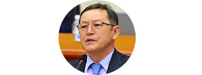 Министр энергетики Осмонбек Артыкбаев.