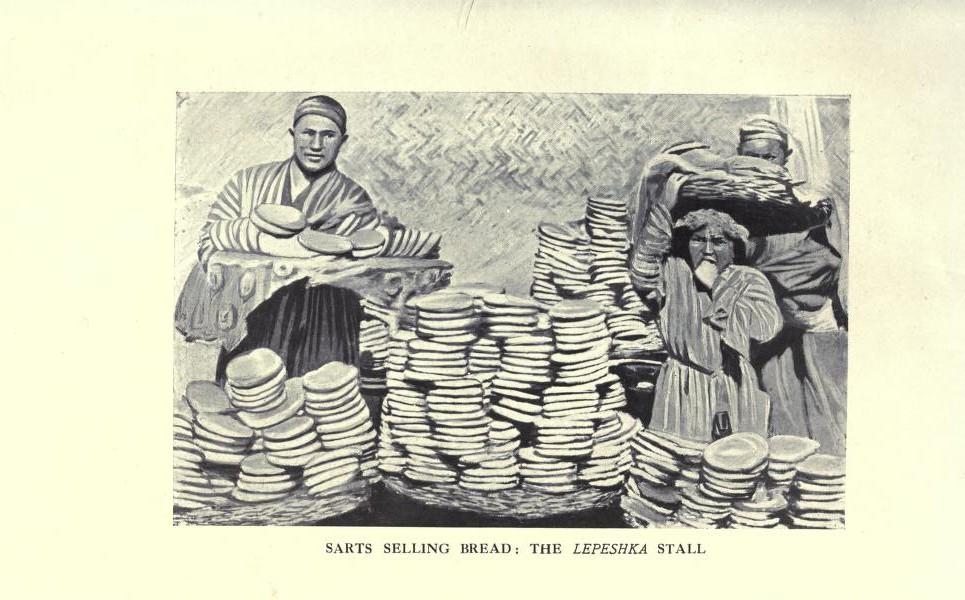 Сарты, продающие хлеб: прилавок с лепешками.