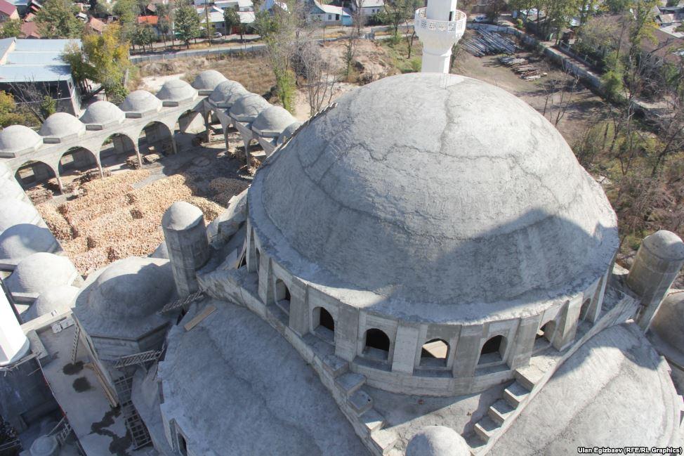 Новая мечеть рассчитана на 10 тысяч человек