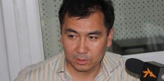 Оппозиционный депутат Равшан Жээнбеков