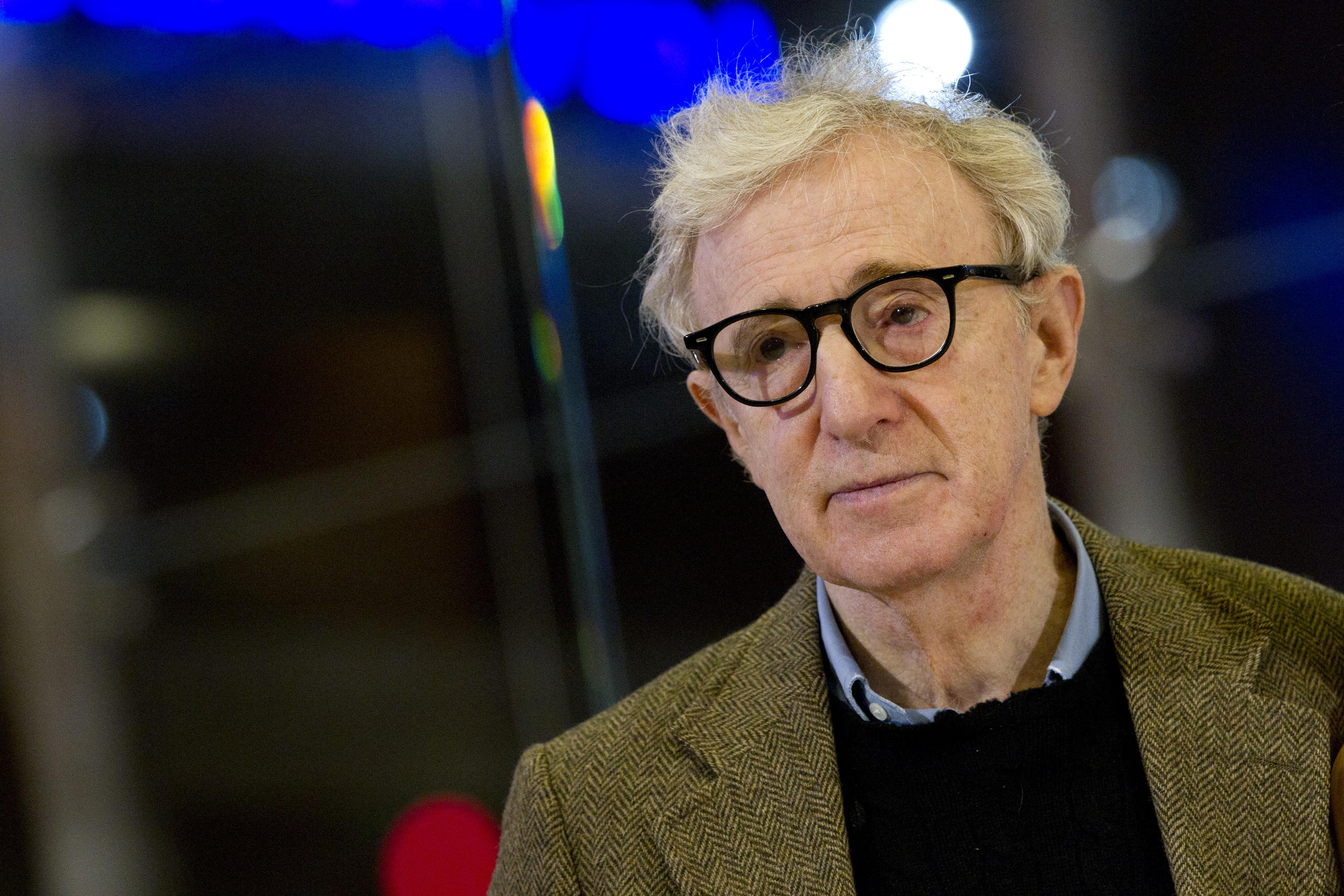woody allen Our film critics rank and review the best woody allen movies of all time, including comedies, dramas, indies, romantic flicks and more.