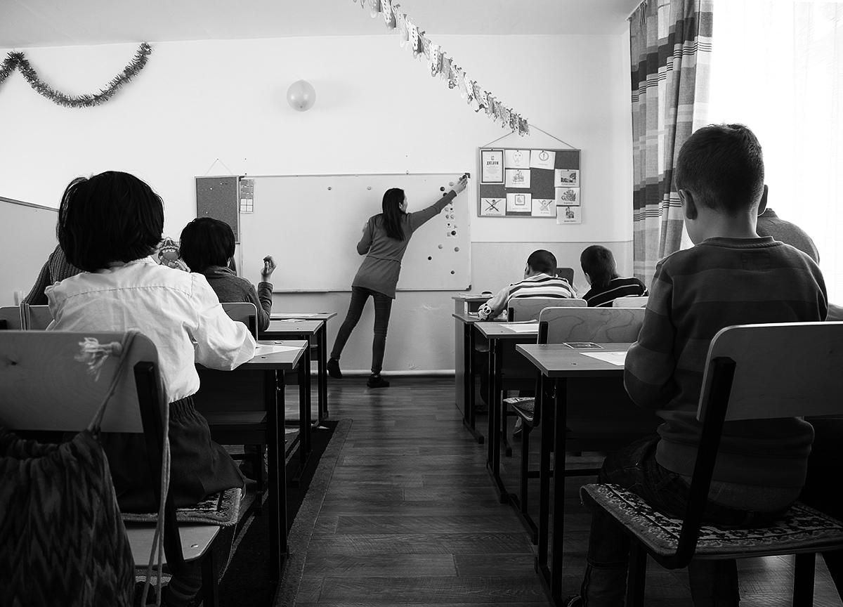 """Дети с диагнозом """"аутизм"""" занимаются в спецклассе, который был открыт в 2014 году в школе №34."""