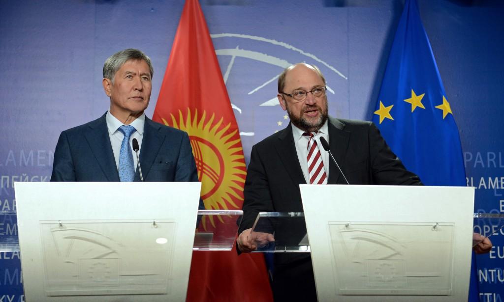 Алмазбек Атамбаев и спикер Европейского парламента Мартин Шульц.