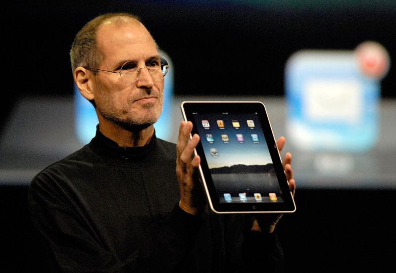 Первый iPad, представленный Стивом Джобсом в январе 2010 года