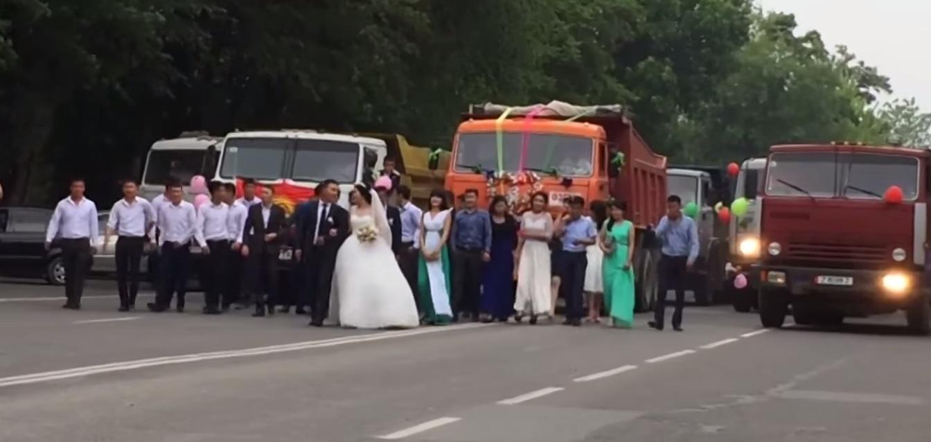 Камаз на свадьбе фото