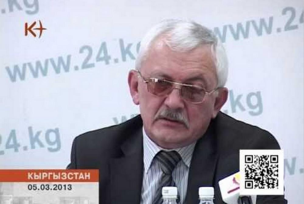 """Владимир Школьный, по его признанию, является часто приглашаемым экспертом для оценки """"экстремистских материалов""""."""
