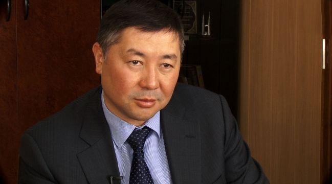 Канатбек Исаев покинул пост лидера партии «Кыргызстан».