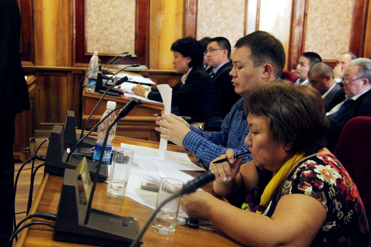 Токтайым Уметалиева на заседании Конституционной палаты