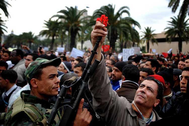 Кадр с Жасминовой революции в Тунисе