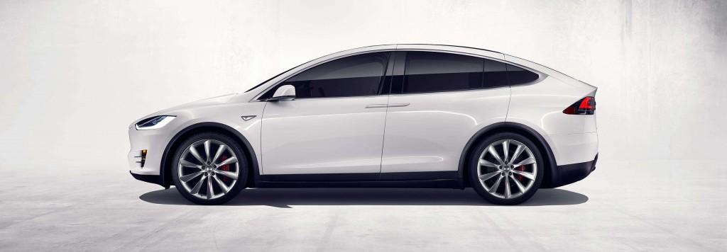 Официально представленная Tesla Model X