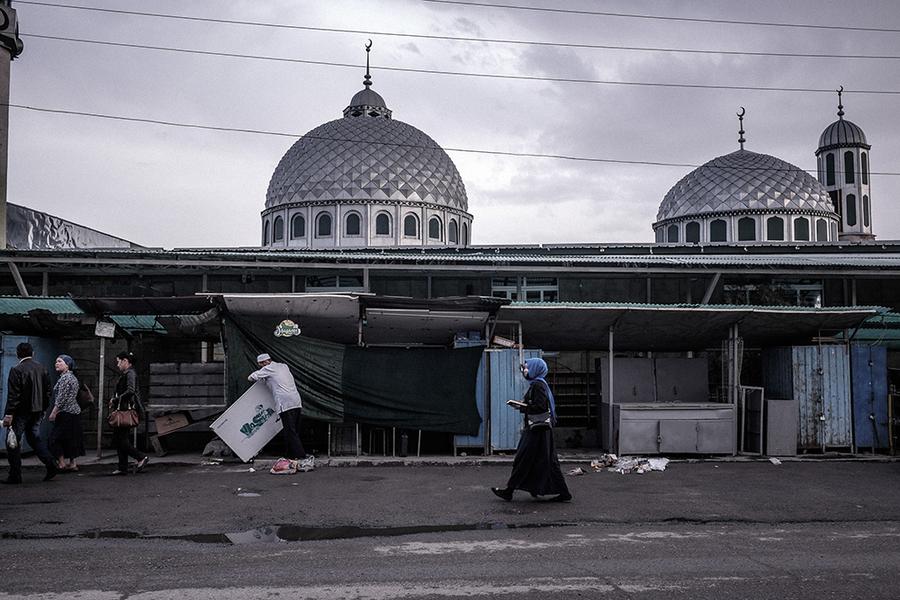 Мечеть рынка «Дордой» считается одним из ключевых исламских религиозных центров Кыргызстана.