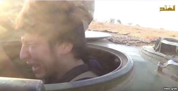 В октябре страна была шокирована узнать в «плачущем смертнике-подростке» из еще одного ролика ИГИЛ нашего соотечественника — 20-летнего Бабура.