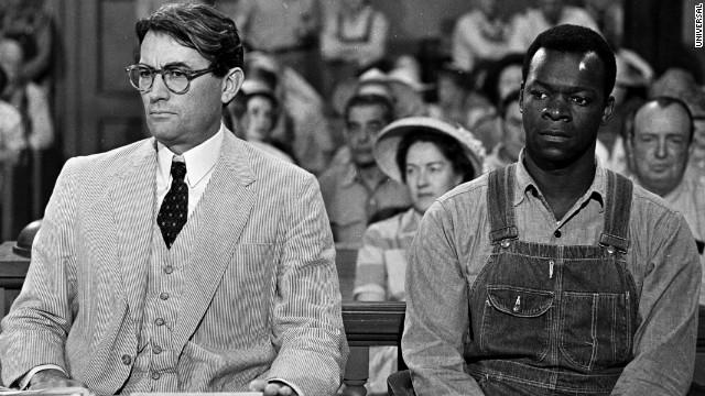 """Грегори Пик в роли Аттикуса Финча, кадр из фильма """"Убить пересмешника"""" 1962 года выхода"""