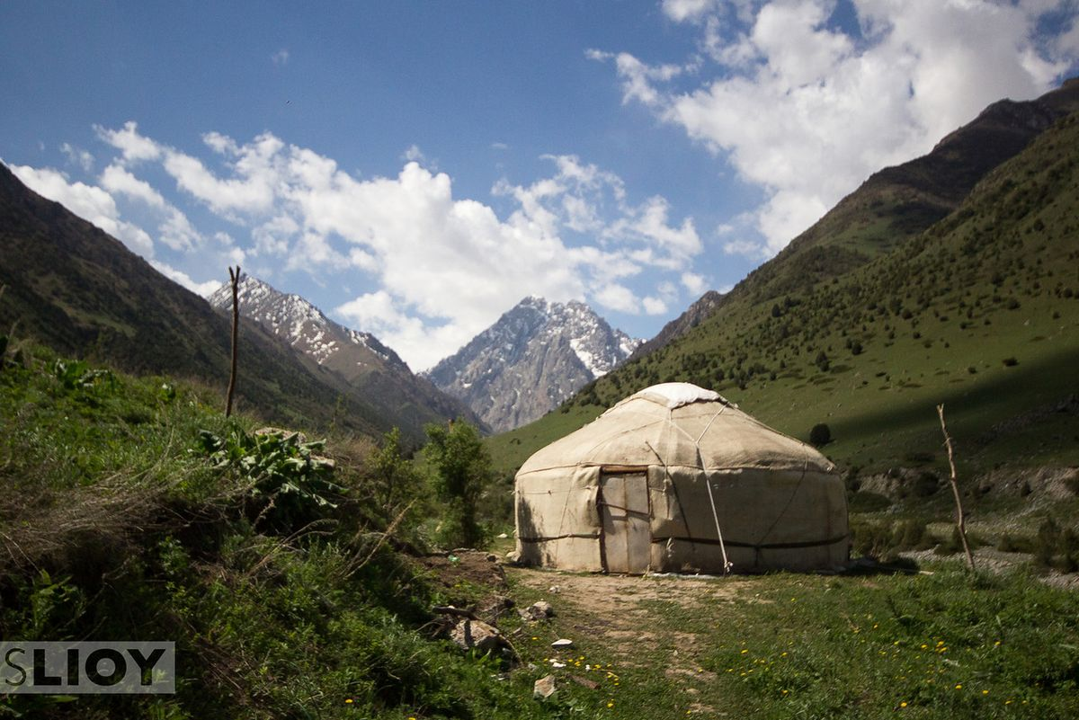 Yurt-Mountains-Issyk-Ata-X2