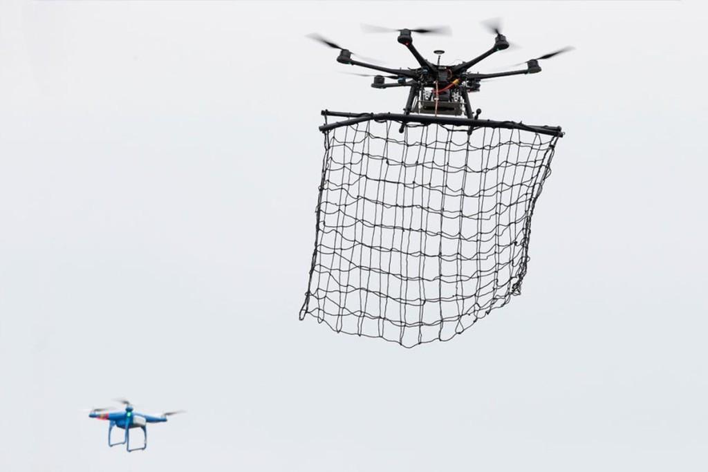 Альтернатива орлам - специальные дроны-перехватчики