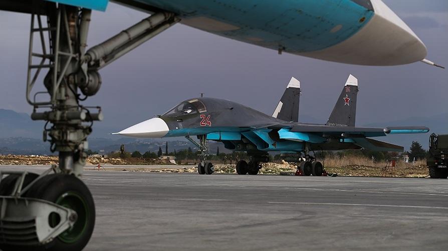 Российские самолёты на авиабазе в Сирии