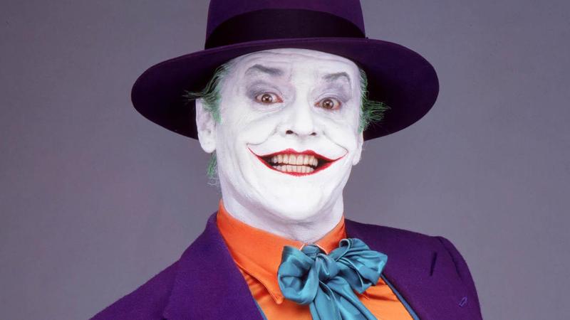Кто — помимо Брюса Уэйна — охотится за Джокером в оригинальном фильме «Бэтмен» Тима Бёртона?