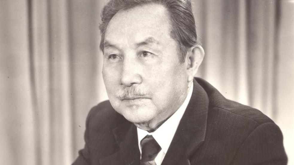 Он начал творить под псевдонимом Балка. В честь него названа улица и установлен памятник в Бишкеке.