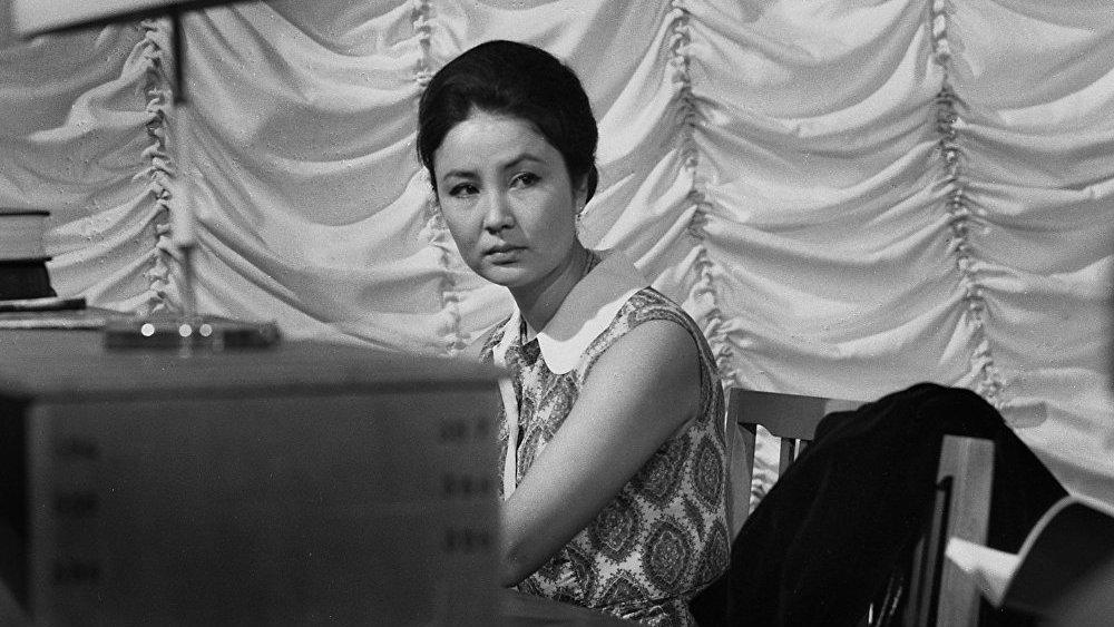 До сих пор она — некий идеал кыргызской красоты как у своих современников, так и у их потомков.