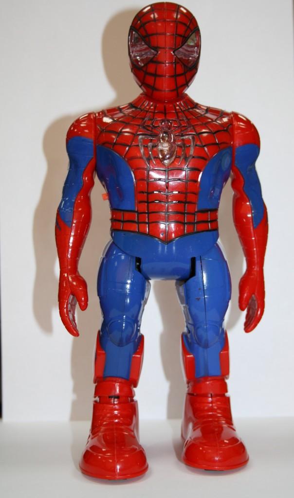 Пластиковая кукла «Человек-паук», Китай — рынок «Орто-Сай», 500 сомов