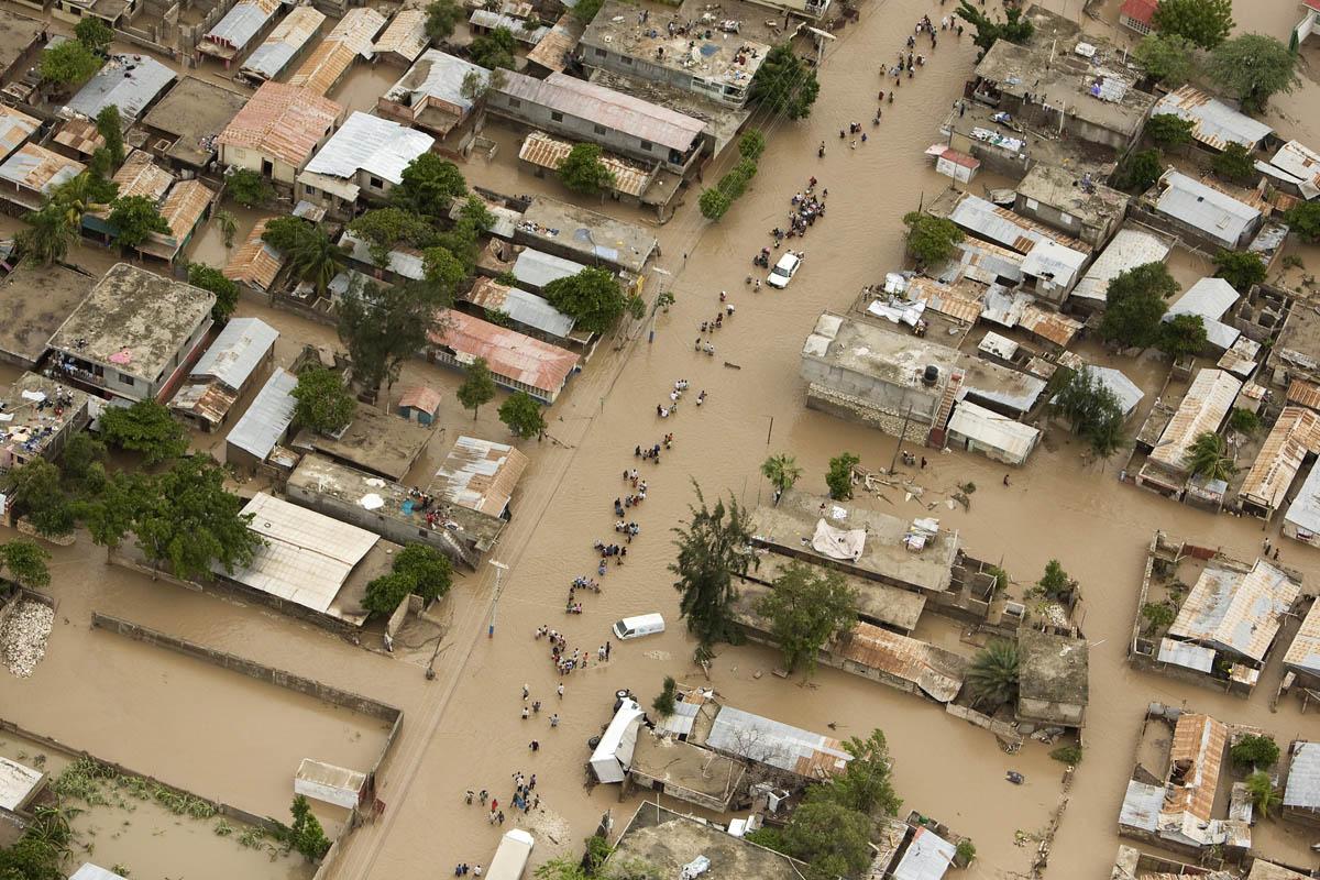 Вода начала убывать только 6 октября. Фото: Haitian Truth