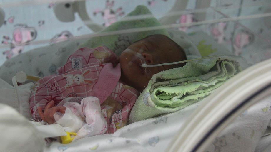 Недоношенный ребенок в реанимационном отделении