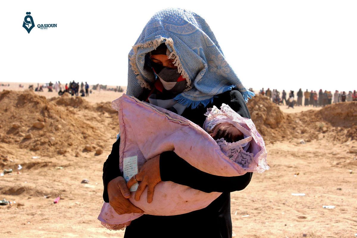 Матери и ребенку удалось покинуть Мосул. Фото: WCFCourier