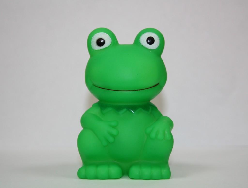 Больше всего вредных для организма веществ находят в игрушках, предназначенных для самых маленьких — детей до трех лет
