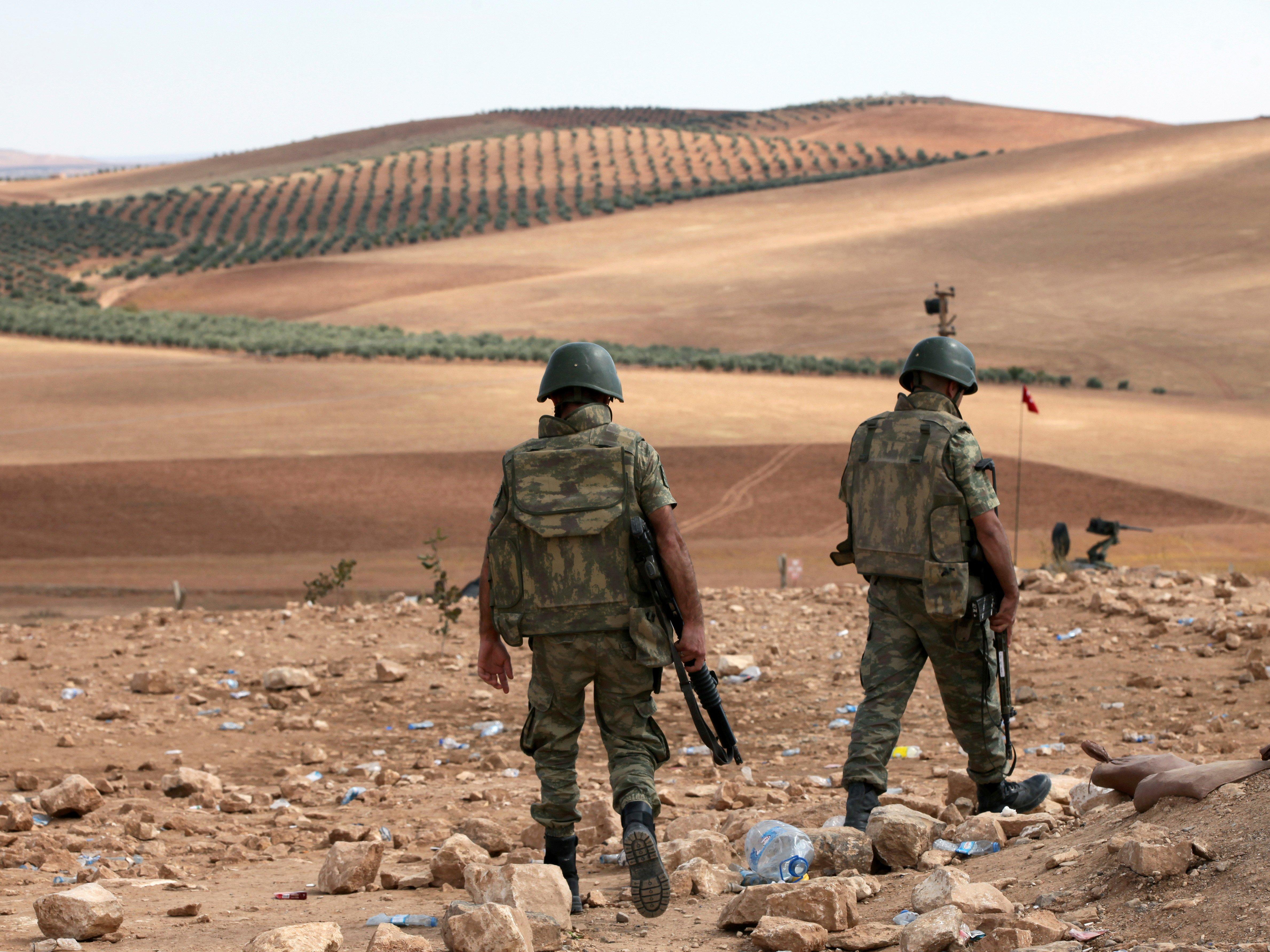 Турецкие солдаты расположились в Башиге. Фото: Business Insider