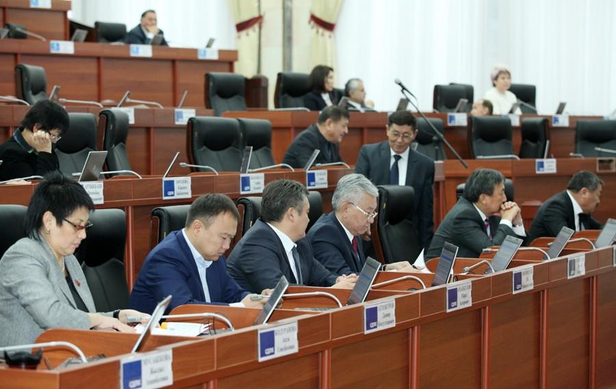 СДПК вышла из альянса с «Ата Мекеном», «Онугуу-Прогрессом» и «Кыргызстаном».