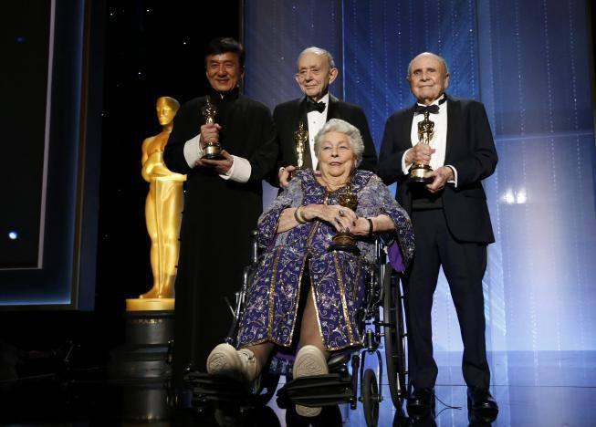 Кроме Джеки награду за вклад в киноискусство получили еще три человека.